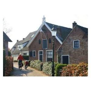 Wandelend en per fiets Huizen ontdekken